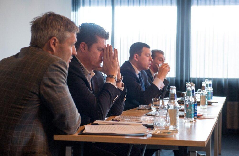 Eile istusid EOK presidendikandidaadid ühise laua taga. Fotole jäid Erki Nool, Hannes Võrno, Jüri Ratas ja Märt Sults.