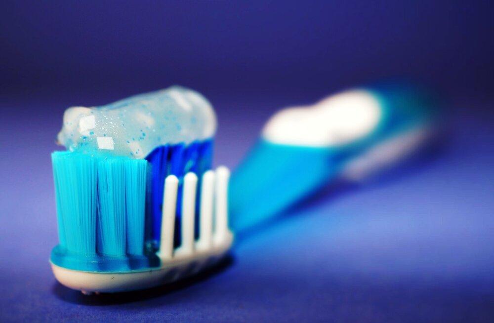 6 средств для зубов, которые пригодятся в путешествии