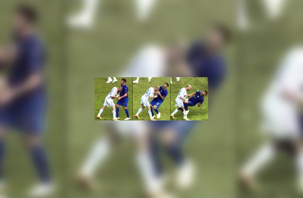 Zinedine Zidane lööb finaalmängus Marco Materazzit