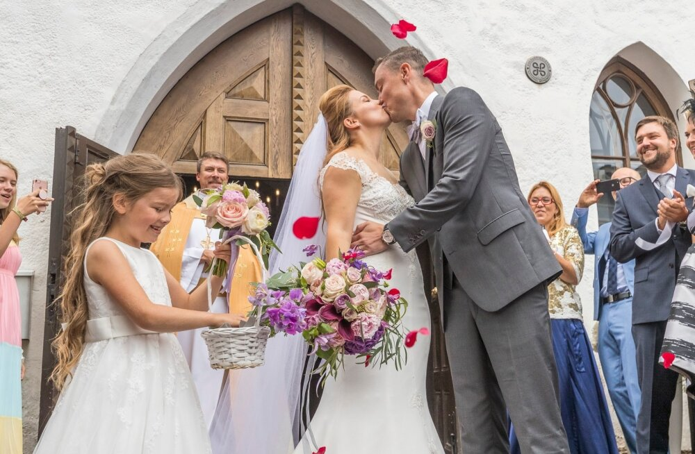 Endine peaminister Taavi Rõivas ja lauljatar Luisa Värk abiellusid