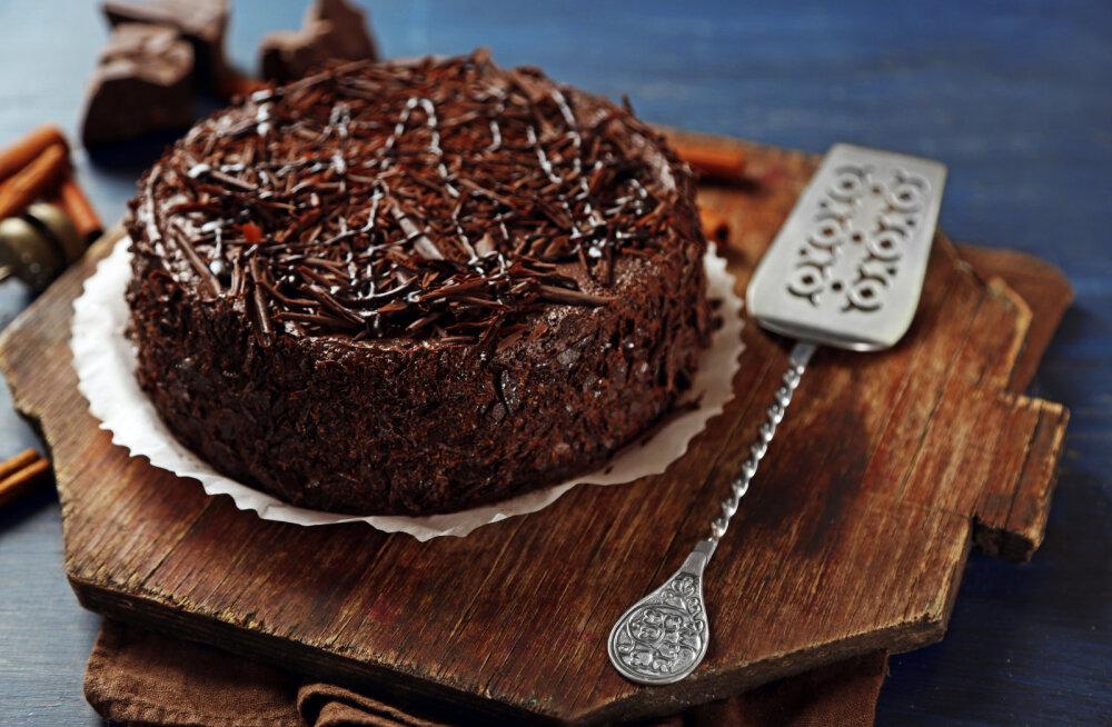 KÖÖGIHÄKK — kuidas päästa pealt katki küpsenud koogipõhja?