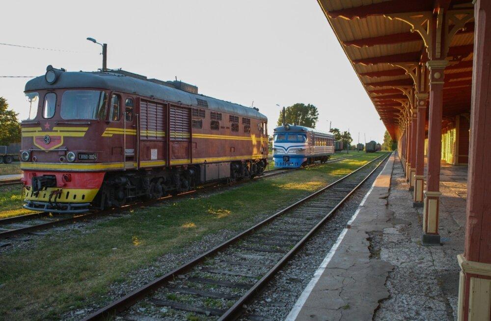 Raudteelased lähevad Toompeale meelt avaldama: aktsiisi tõusuga võib raudtee Eestist üldse ära kaduda!