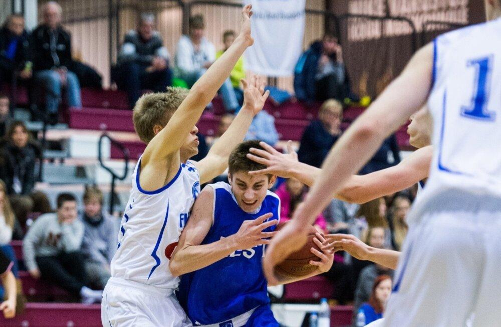 Kristian Kullamäe mängus Soomega