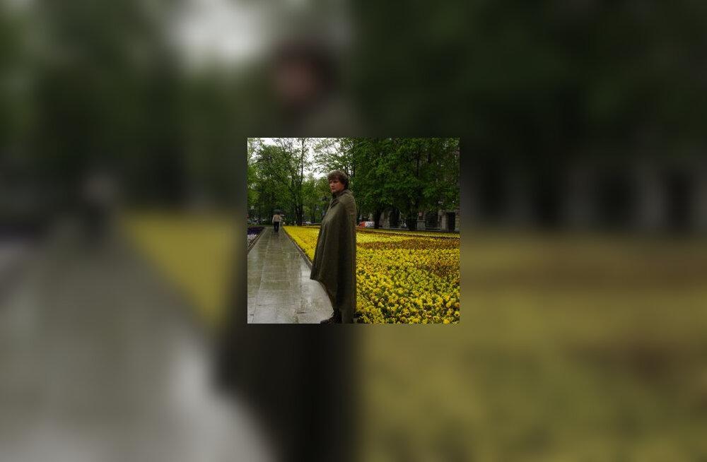 Našilane püüdis täna Tõnismäel pronkssõdurit valvata