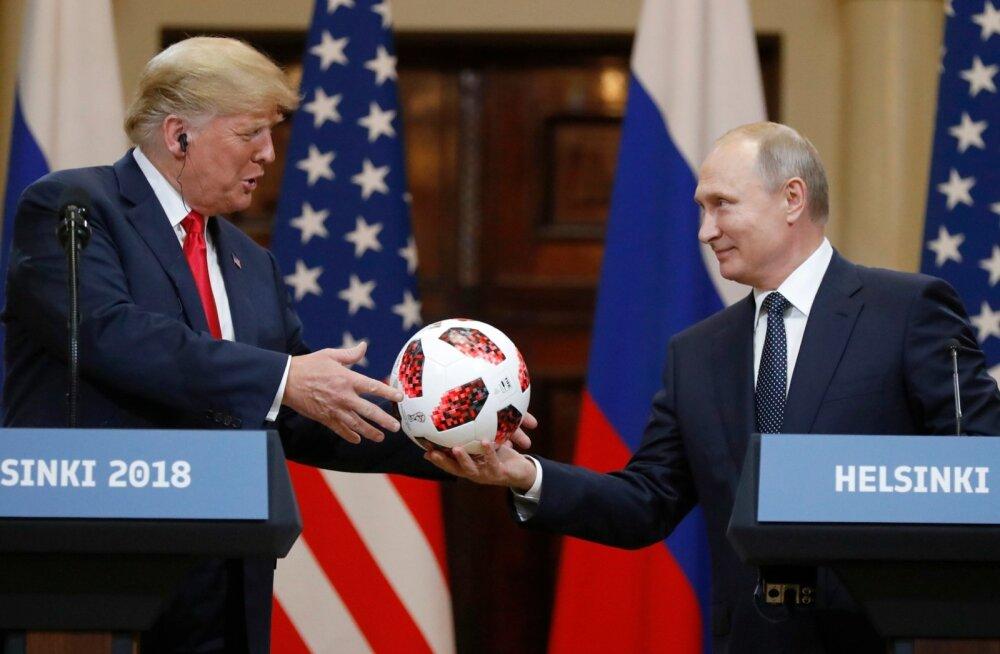 """""""Pall oli meie väljakupoolel, nüüd on teie omal,"""" naeratas Putin Trumpile."""