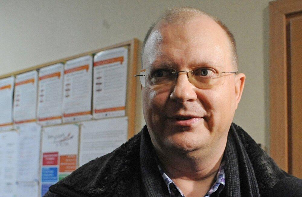Spioneerimises süüdistatav Vene ajakirjanik lahkus Poolast