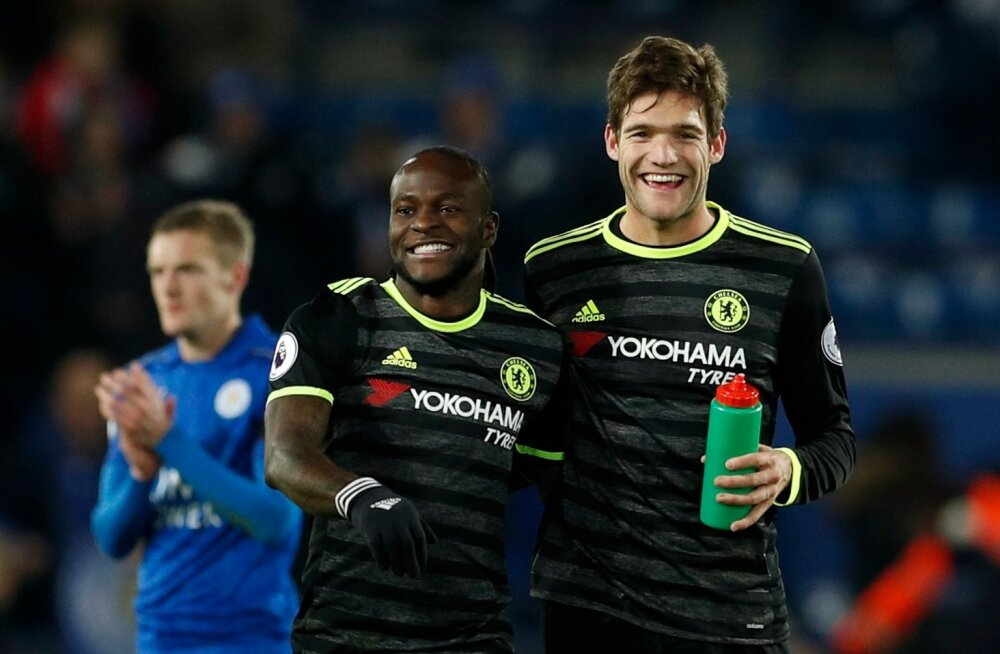Victor Moses ja Marcos Alonso
