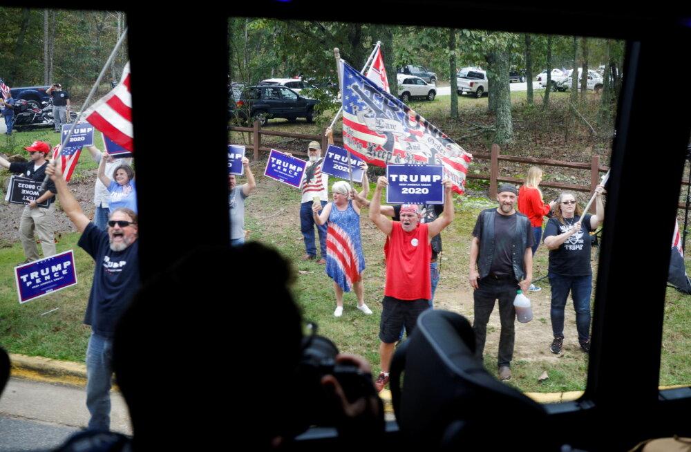 FBI uurib Bideni kampaaniabussi ahistamist Trumpi toetajate poolt Texases