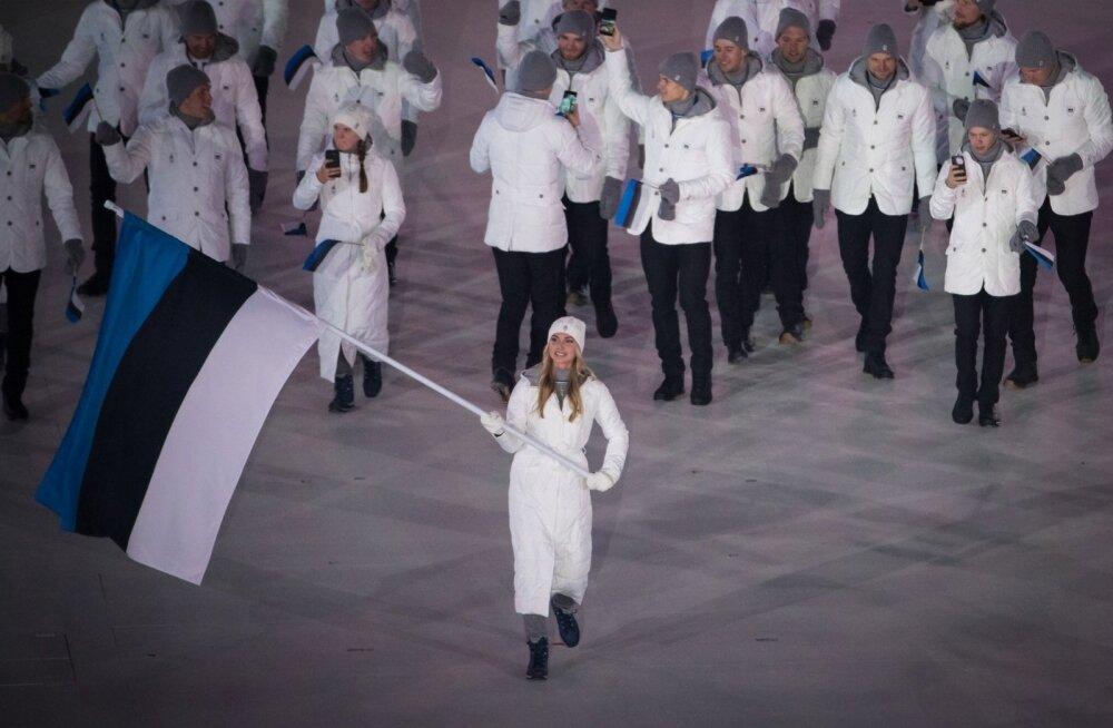Saskia Alusalu kandis Pyeongchang olümpia avatseremoonial riigi lippu.