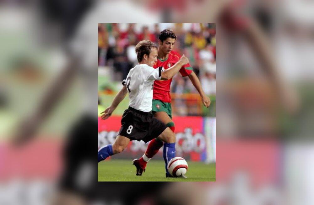 Martin Reim (Eesti) ja Ronaldo (Portugal)