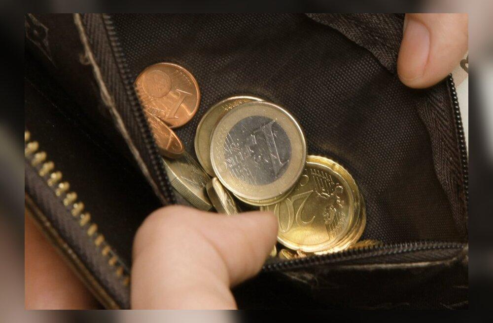 Tööandjad: töötajad võiks teha sissemakseid ravikindlustusse