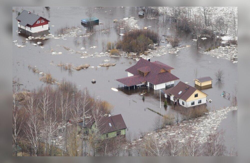 Экстрасенс Арина Евдокимова: вода наступает и несет беду