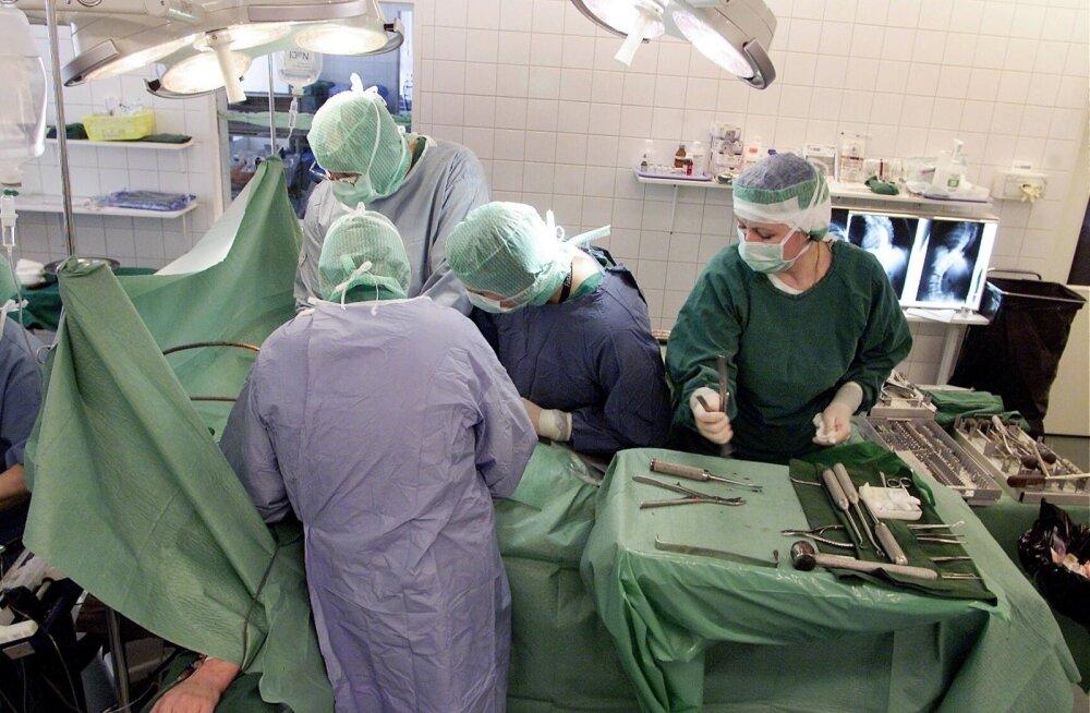 Полицейская операция в Ида-Таллиннской центральной больнице сорвала две медицинские операции