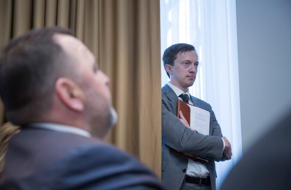 Andreas Kaju Skeleton Technologies ja Euroopa Investeerimispanga laenulepingu allkirjastamisel.