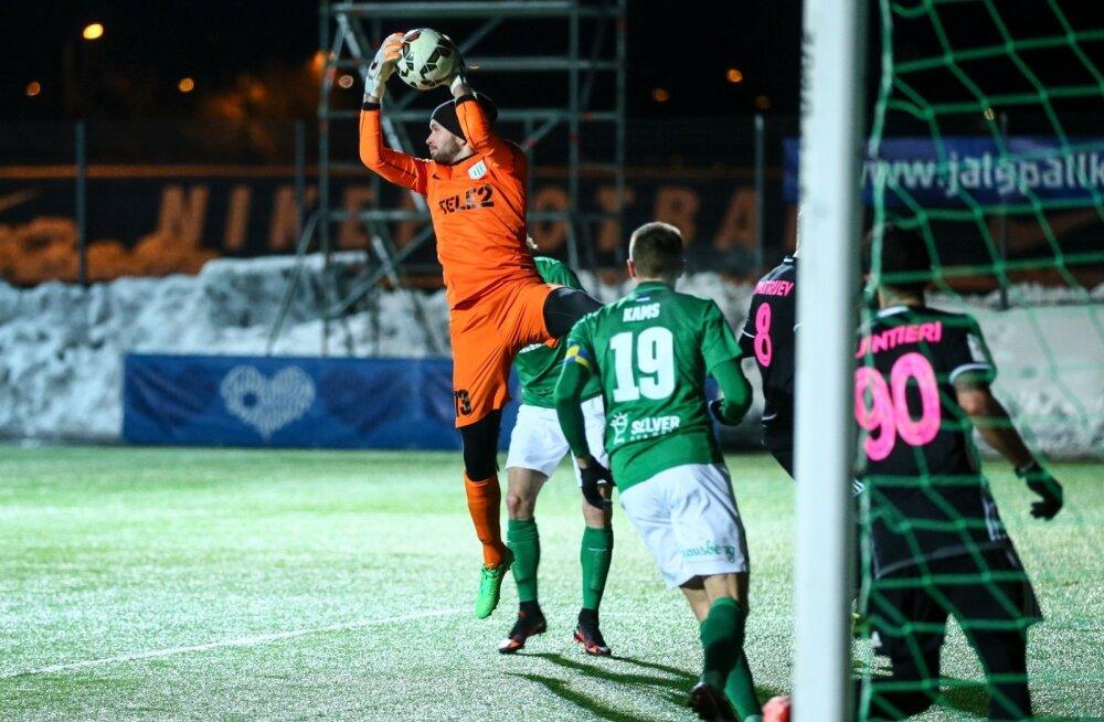 d9abb7c2324 Jalgpallikoondis tegi Küprose mängu eel veel ühe sunnitud vahetuse ...