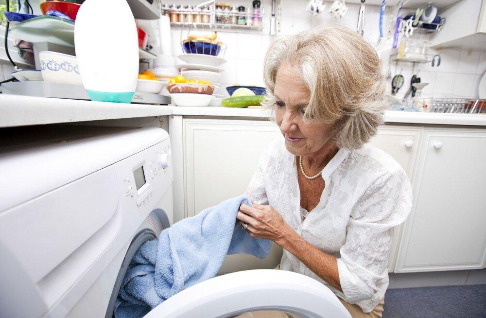 Доказано: стиральной машинке на кухне не место!