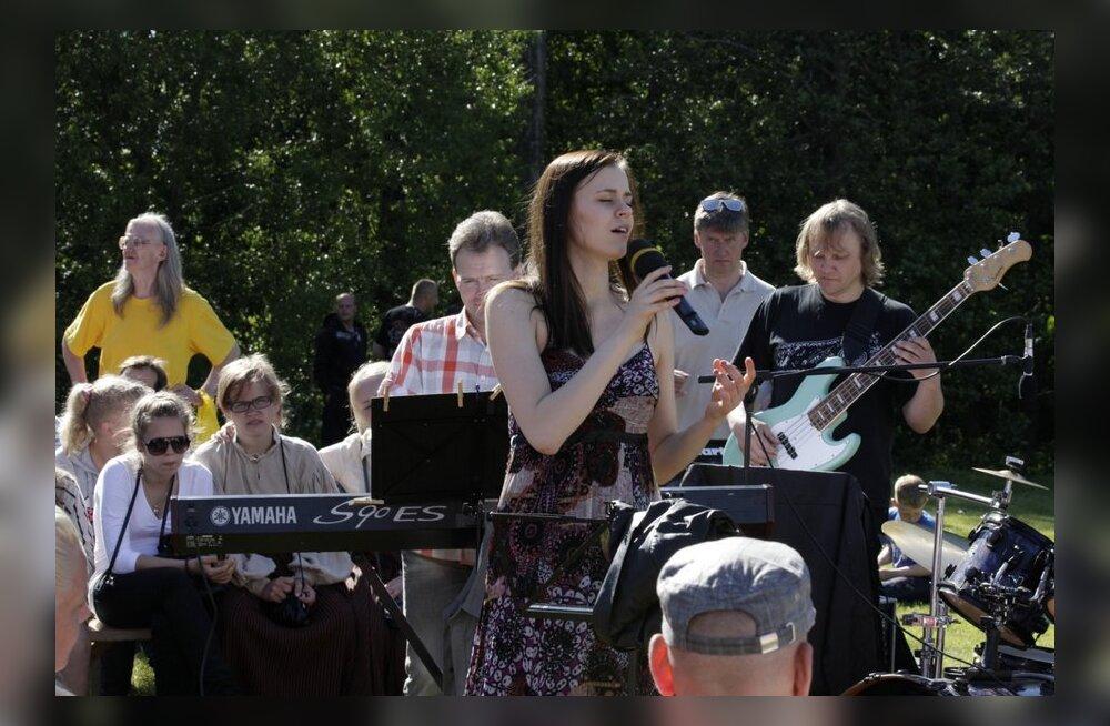 FOTOD: Häädemeestel kuulati Rosanna Lintsi ja liivlaste laule