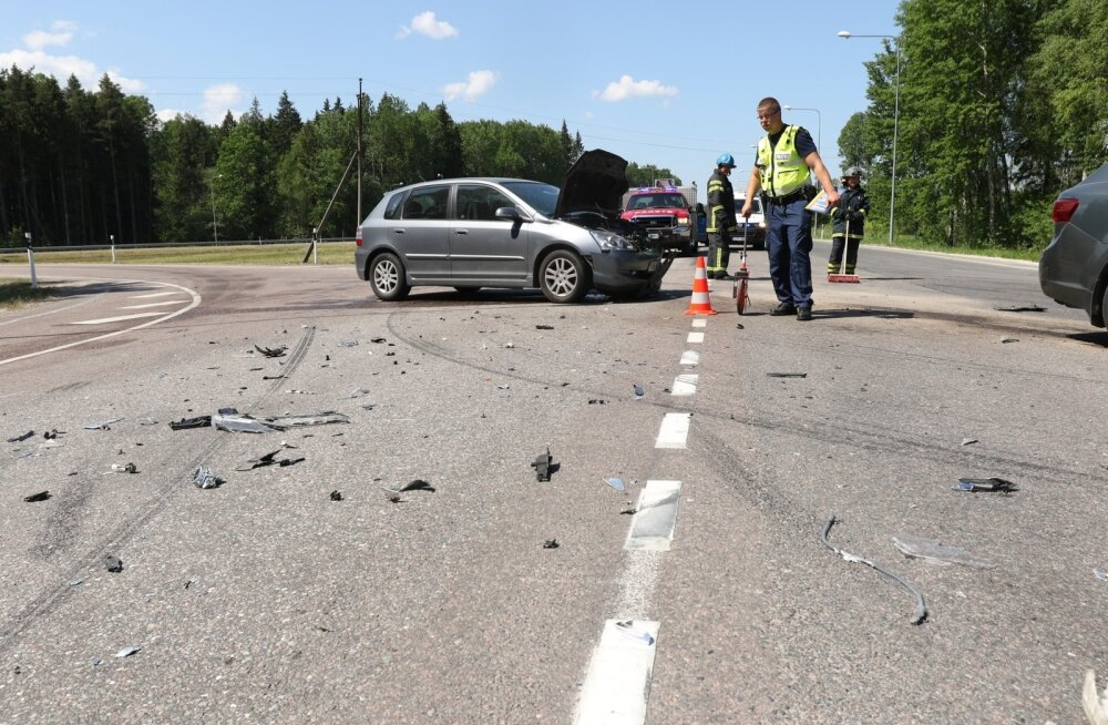 Kahe auto kokkupõrge Tartu lähedal