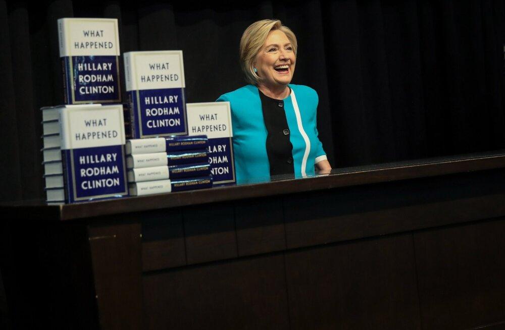 ÜLEVAADE | Hillary Clinton võtab memuaarides osa valimiskaotust enda peale, ent rohkem jagub süüd teistele