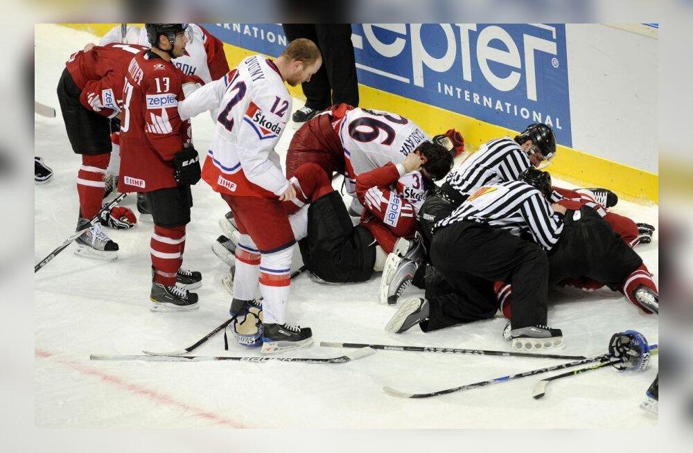 Сборная Канады проиграла Чехии