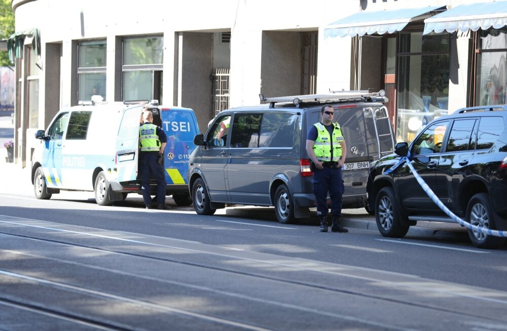 ФОТО С МЕСТА ПРОИСШЕСТВИЯ: В центре Таллинна произошла стрельба, есть пострадавший