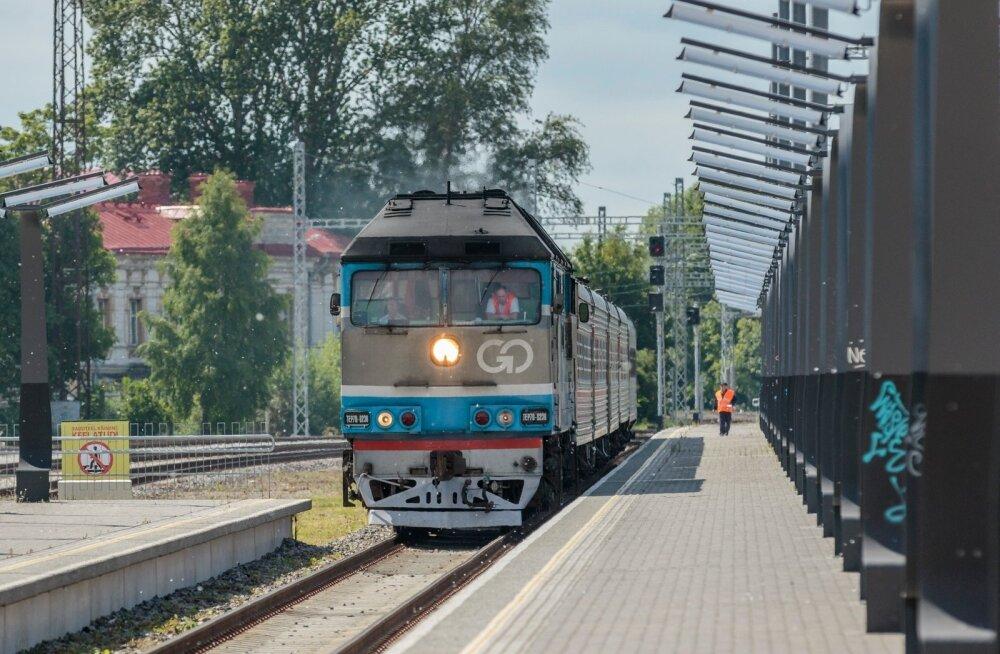13.30 Tallinn Balti jaama tervitama taasavatud Tallinna-Peterburi-Moskva liini esimest, Moskvast saabuvat rongi.