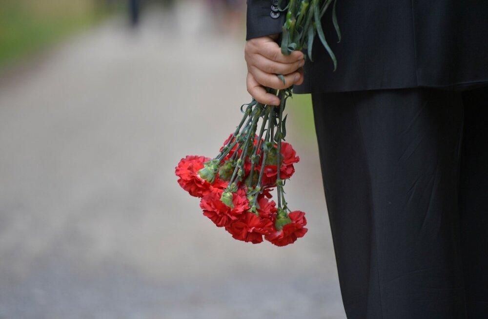 10 неписаных правил этикета. Как вести себя на похоронах и после них?