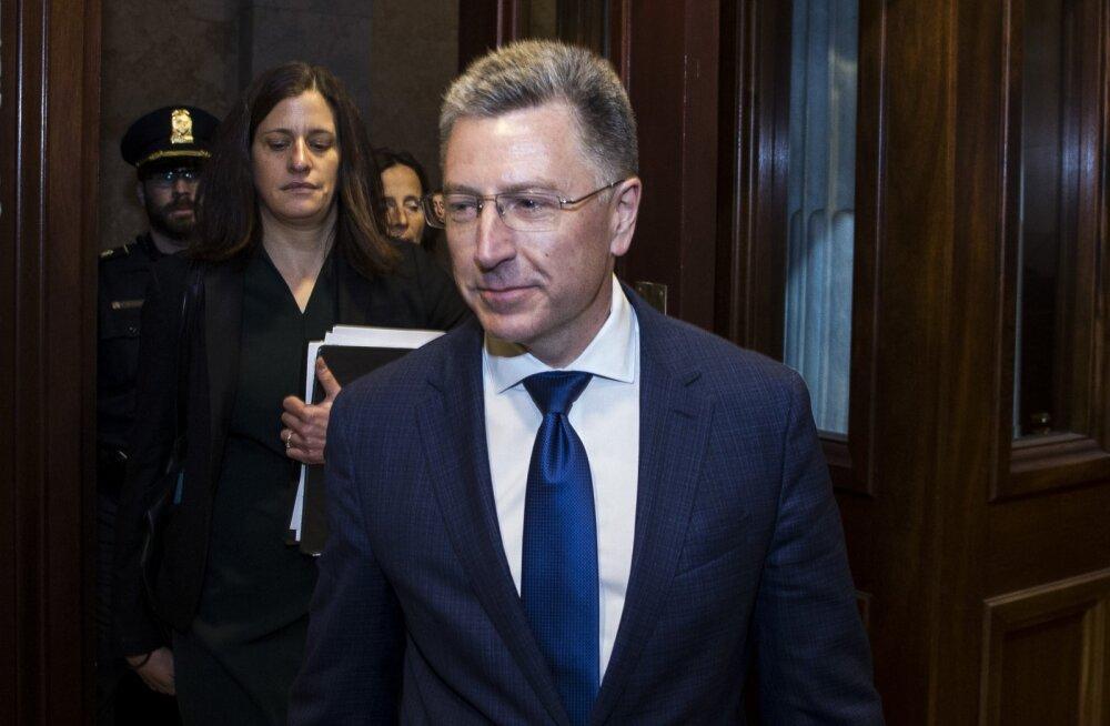 Avaldatud tekstisõnumid näitavad, et USA suursaadikud survestasid Ukrainat juurdlusi alustama tingimusena visiidiks Valgesse Majja