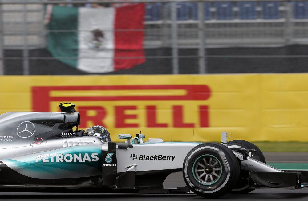 Nico Rosberg võitis neljanda kvalifikatsiooni järjest