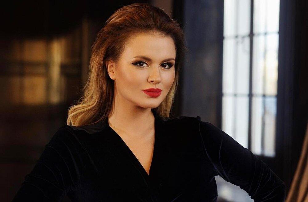 Анна Семенович ушла от избранника, отказавшегося жениться на ней