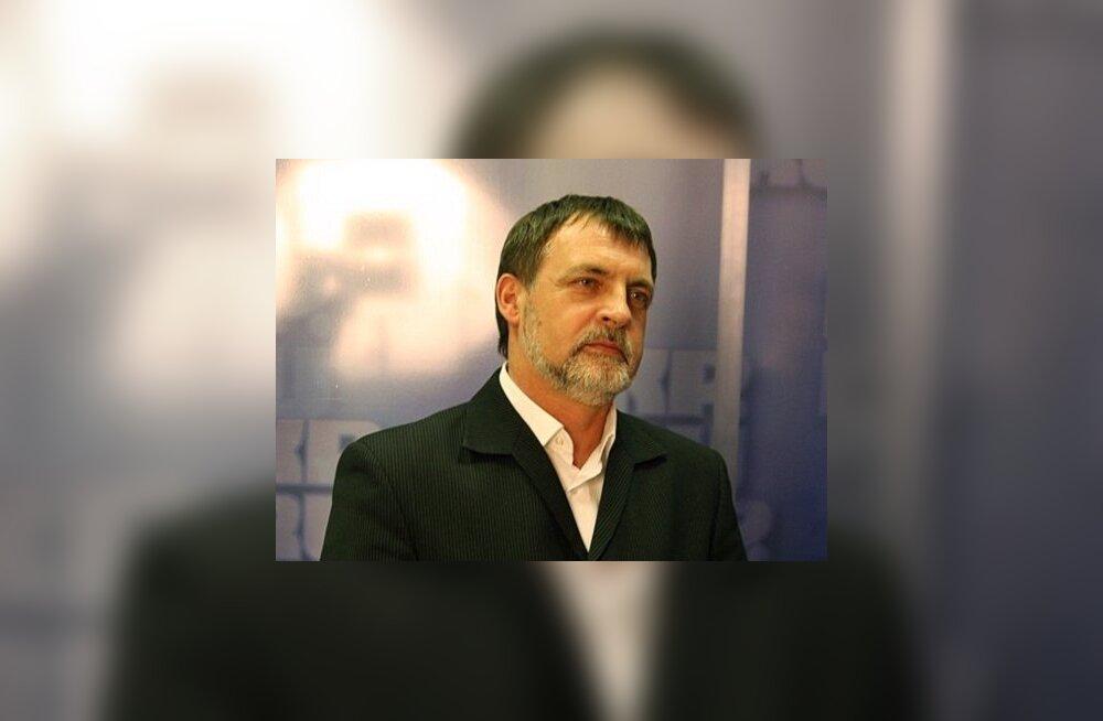 """Победитель """"Битвы экстрасенсов"""" рассказал, кому повезет в 2013 году"""