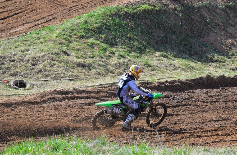 Karksi-Nuias Ainja rajal toimuvad motokrossi meistrivõistlused