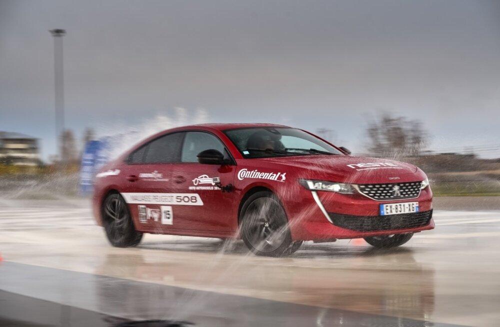 Leedulased ei ole eestlastega nõus, valisid oma aasta autoks Peugeot