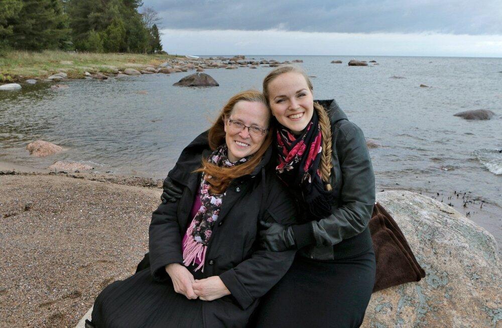 Ema ja tütar – Viivi ja Kadri Voorand Kasispeal.