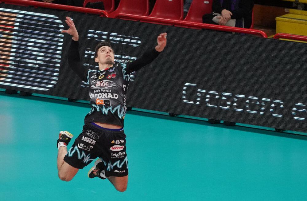 Viimaks! Eesti võrkpallurid Robert Täht ja Siim Põlluäär pääsevad Itaaliast tagasi koju