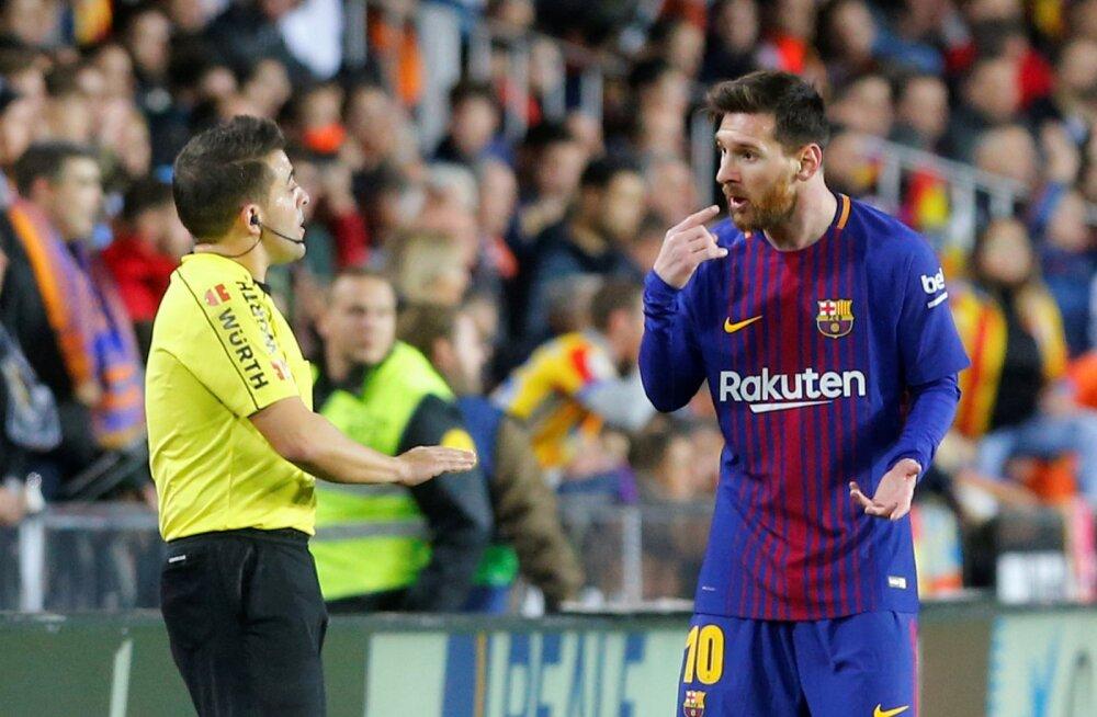 VIDEO | Kohtunik tegi Lionel Messi löögi ajal hiiglasliku valearvestuse, mis maksis Barcelonale punkte