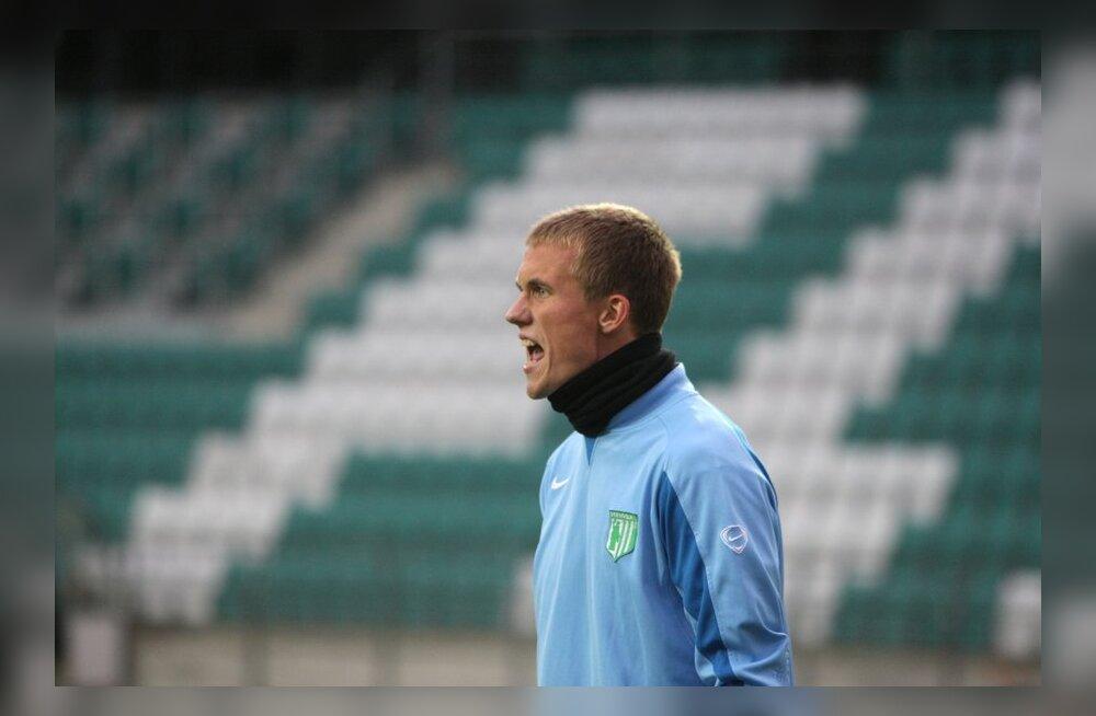 Mihkel Aksalu, Flora, jalgpall