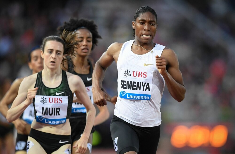 Caster Semenya (paremal) rivaalid on tihti tundnud, et tema vastu võistlemine on ebaaus.