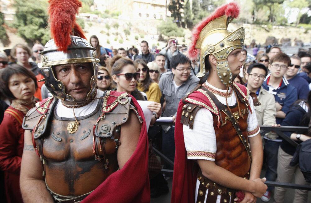 В Риме начали штрафовать за переодевание в гладиаторов