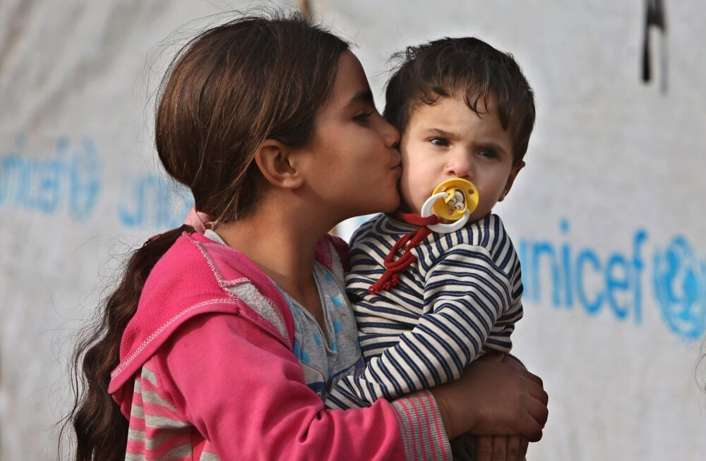 Mideast Lebanon Syria Refugees