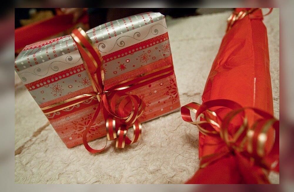 Vanemateta lapsed ootavad jõulukingitusi