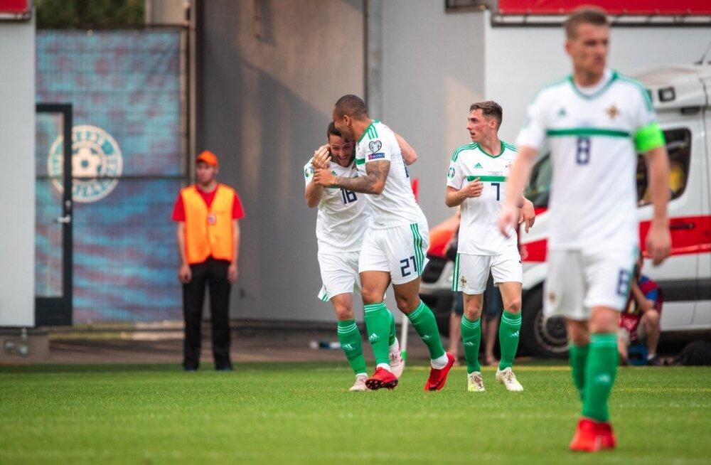 Põhja-Iirimaa jalgpallikoondislased mängus Eestiga