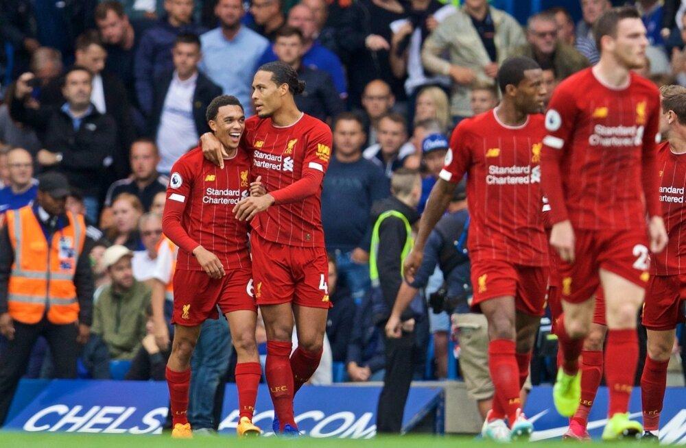 Liverpooli mängumehed kannavad sel hooajal veel New Balance'i mänguvormi. Tuleval hooajal võib nende seljas olla juba Nike'i toodang.