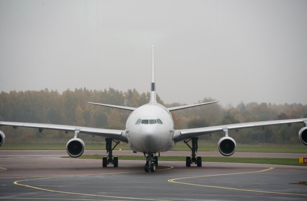 Airbus A330 ja Finnairi asepresident Allister Paterson