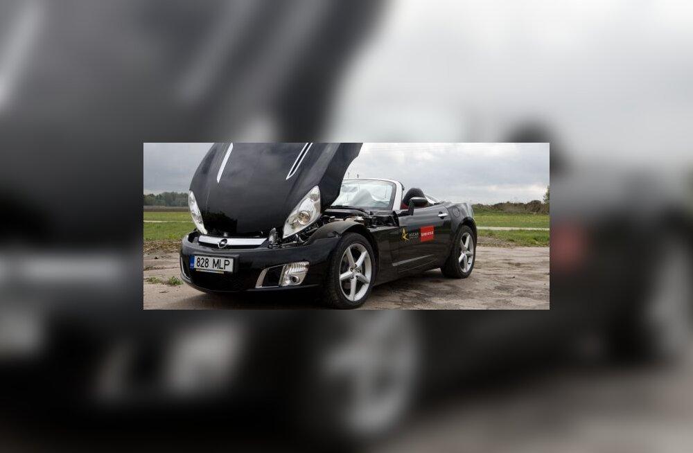 Opel GT on ebapraktiline ja edev sportauto, ent mõjub erilise valikuna