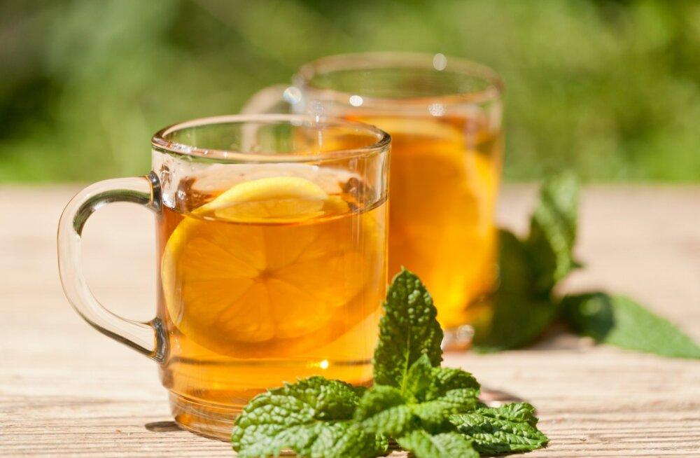 8 продуктов и напитков, которые не защитят вас от простуды