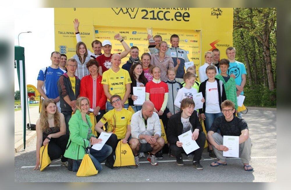 Jüri basseinitriatloni võitsid Hans Korman ja Kaidi Kivioja
