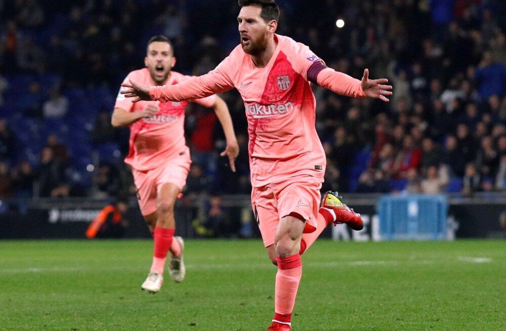 Lionel Messi järjekordset väravat tähistamas.