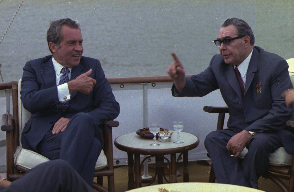 35 aastat Brežnevi surmast   Õppejõud ütles, et Brežnev on surnud ja hakkasime naerma