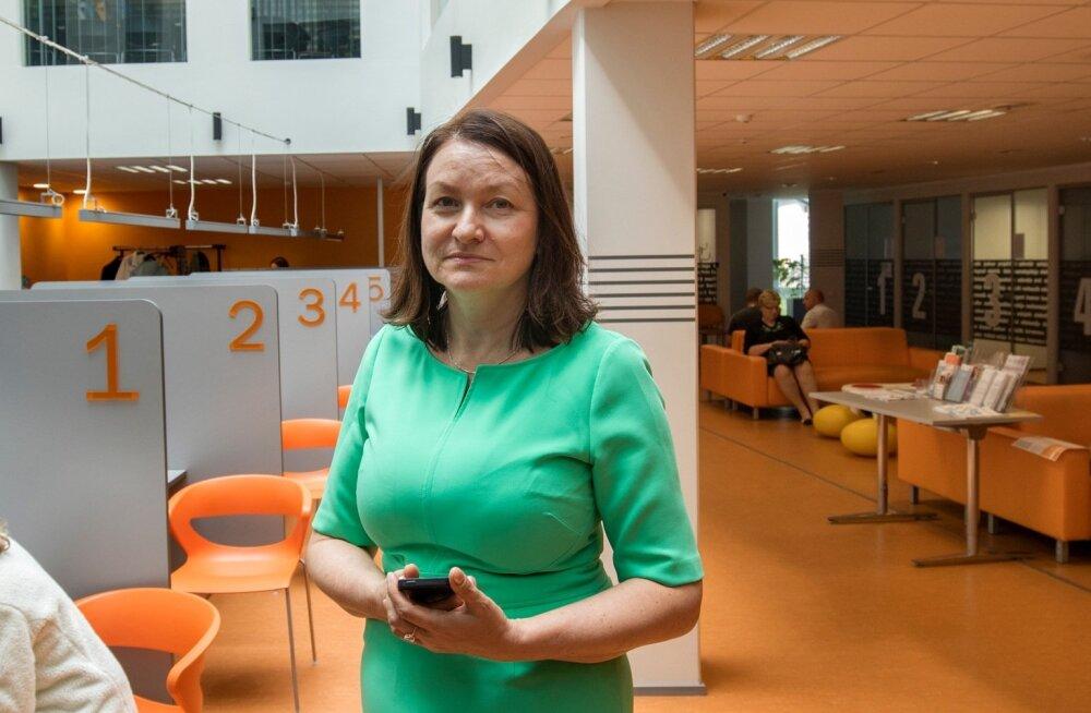 Töötukassa Ida-Virumaa osakonna juhataja Anneki Teelahk on optimistlik ja tööks töötutega valmis.